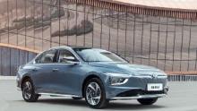 比A级车体面 比B级车实惠 名图纯电动的错位竞争法则